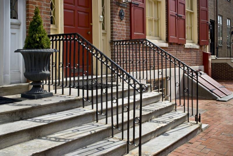 Le porche fait un pas Philadelphie photo stock