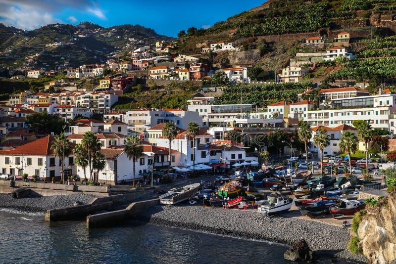 Le port de Camara de Lobos, Madère photographie stock libre de droits