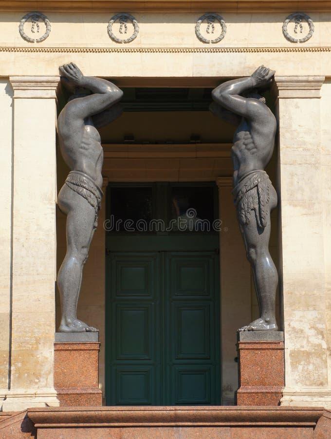Le portique du nouvel ermitage, St Petersbourg images stock