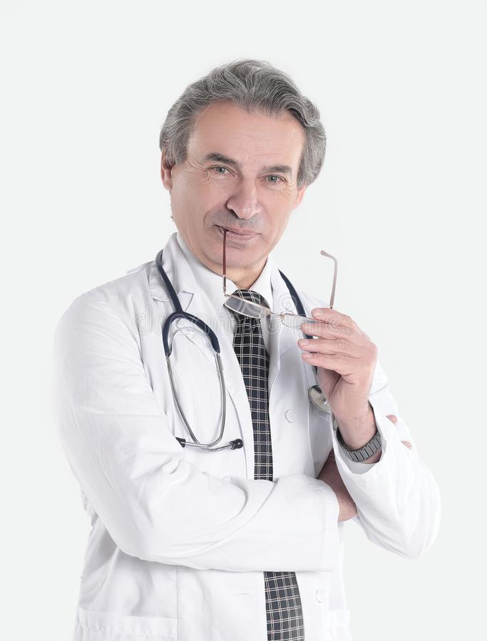Le portrait d'un médecin bienveillant therapistisolated sur le fond blanc photos stock