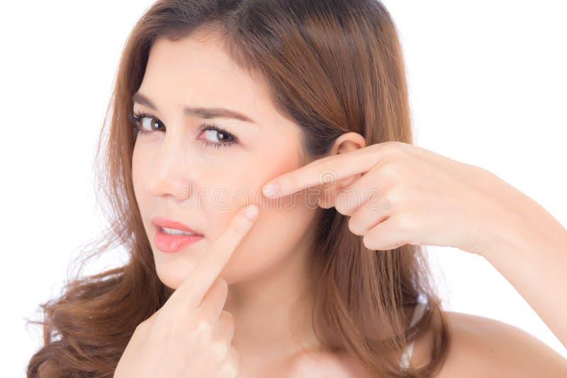 Le portrait de la belle Asiatique de femme est une acn?, traitement de bouton, visage de probl?me de fille beau, beaut? parfaite  photographie stock libre de droits