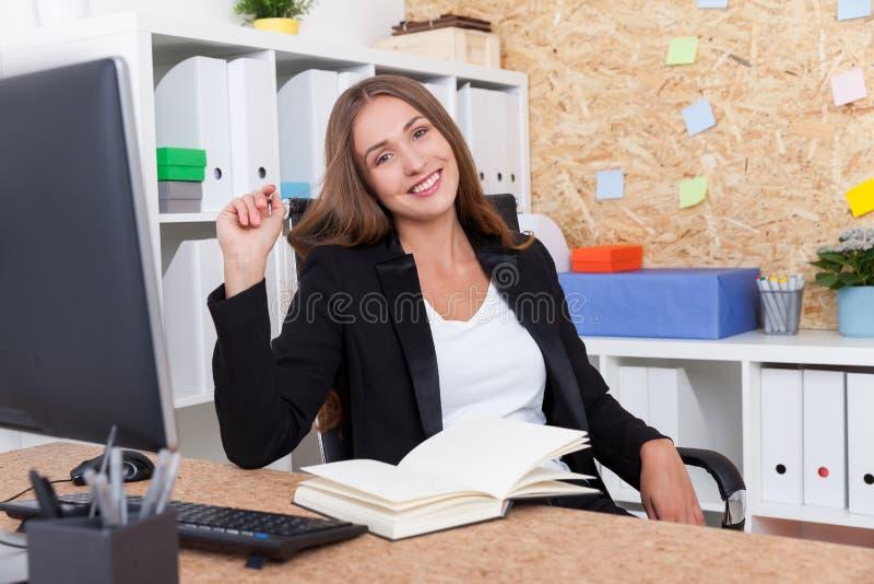 Download Le Portrait Des Employés Productifs Photo stock - Image du dame, affaires: 76077828