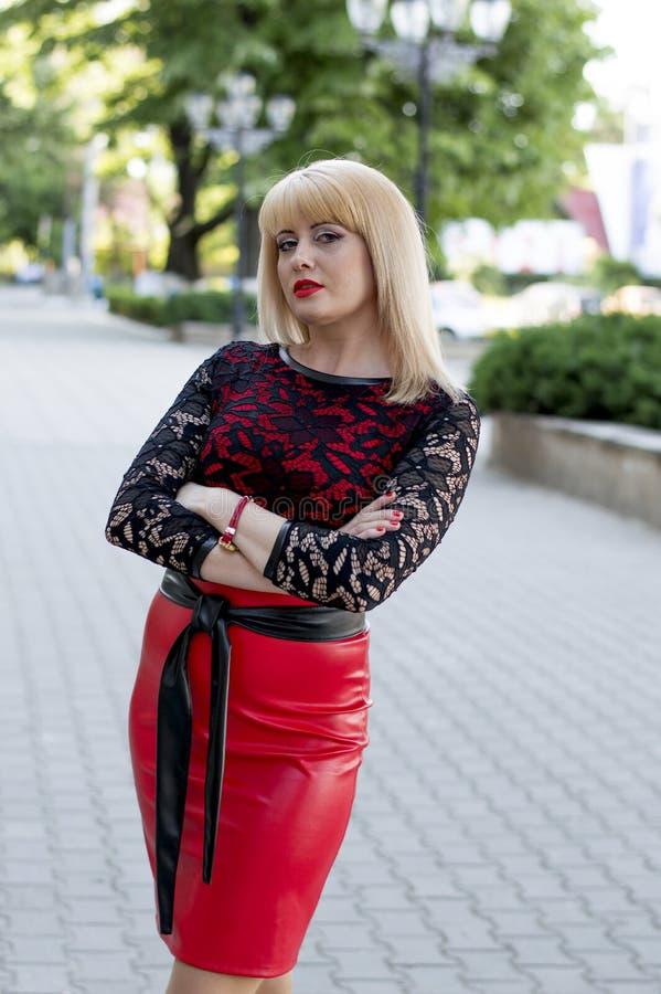 Robe rouge de ville