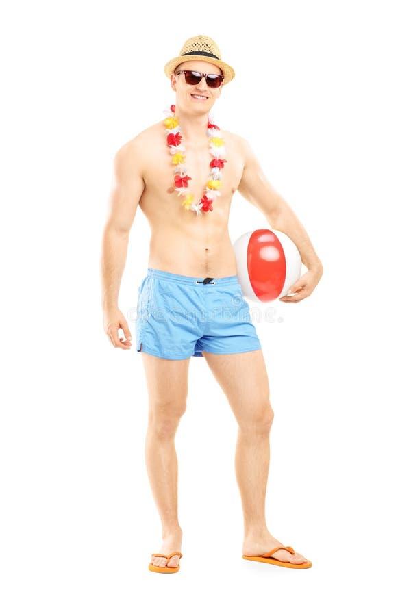 Le portrait intégral d'un homme d'ajustement dans la natation court-circuite, la participation a photos stock