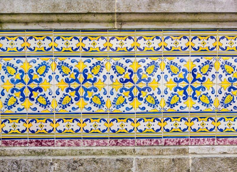Le Portugais couvre de tuiles l'azulejo photographie stock