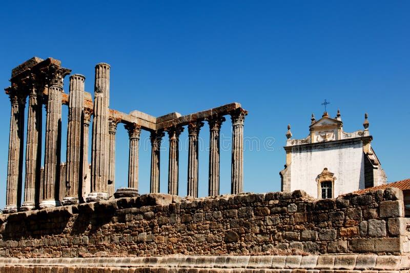 Le Portugal, l'Alentejo, Evora : Temple de Diana image stock