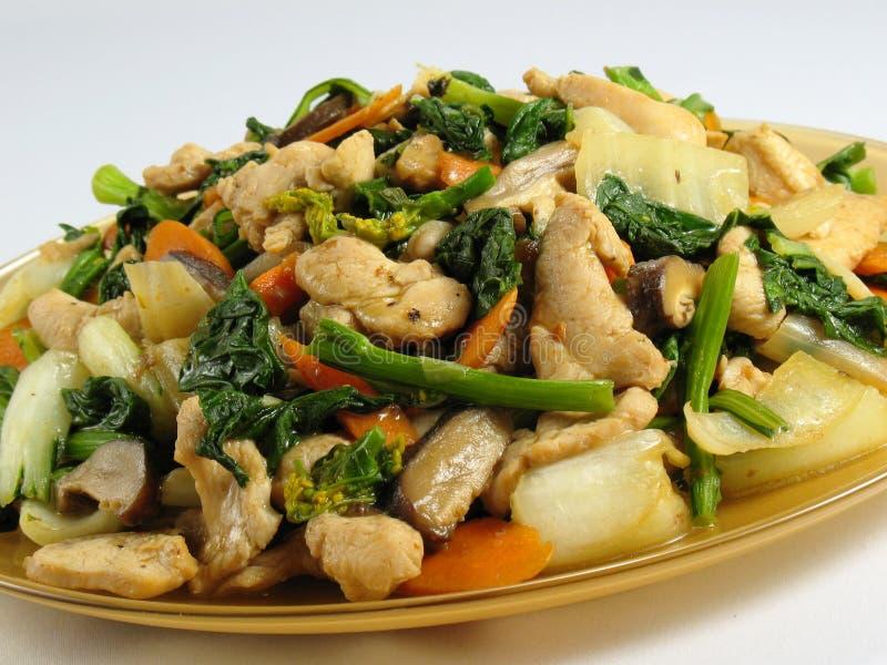 Le poulet et les légumes Remuer-Font frire photos stock