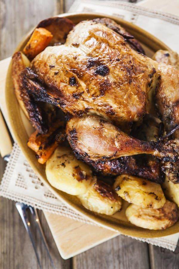Le poulet rôti avec garnissent photographie stock libre de droits