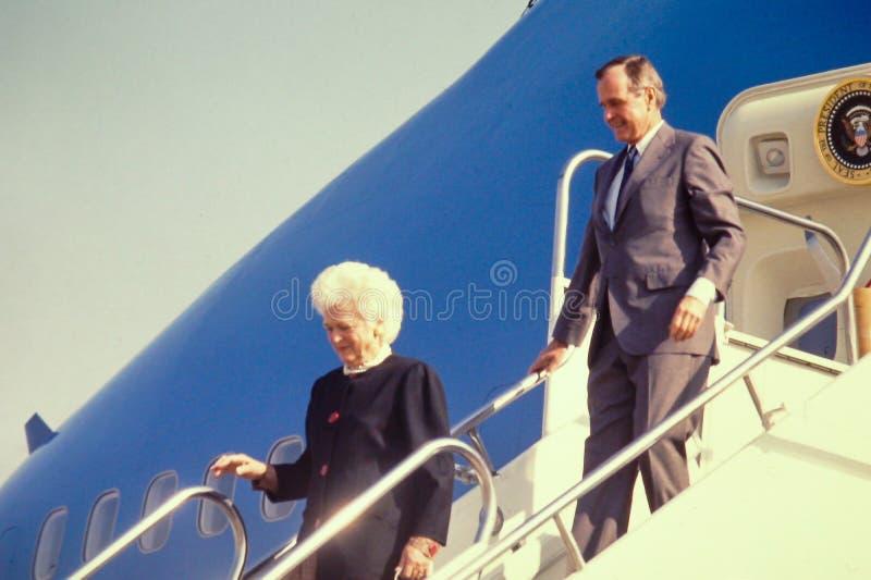 Le Président George H W Bush et première Madame images libres de droits