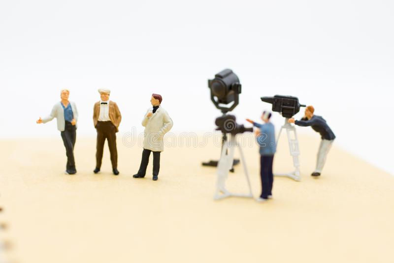 Le président interviewent des invités avec la capture d'appareil-photo et de vidéo Utilisation d'image pour l'industrie du divert image stock