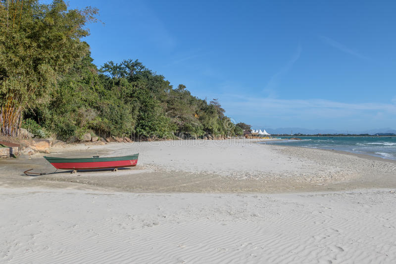 Le Praia font la plage de forte - Florianopolis, Santa Catarina, Brésil photographie stock libre de droits