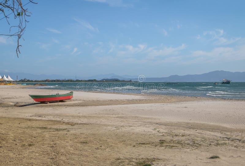 Le Praia font la plage de forte - Florianopolis, Santa Catarina, Brésil images stock