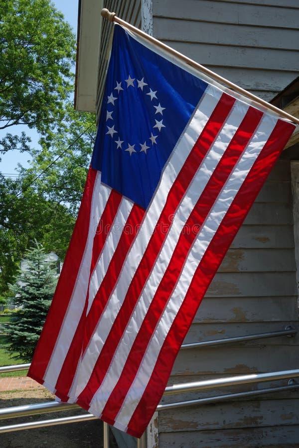 Le premier drapeau des Etats-Unis avec l'étoile 13 image stock