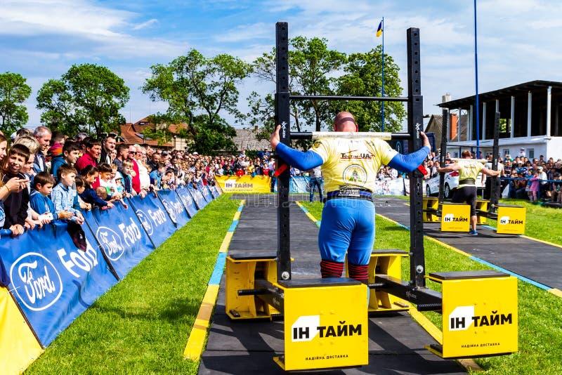 Le premier rond de la tasse d'homme fort de l'Ukraine a eu lieu dans Storoz image libre de droits