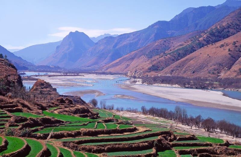 Le premier virage du fleuve de Yang Tsé Kiang, Chine photographie stock