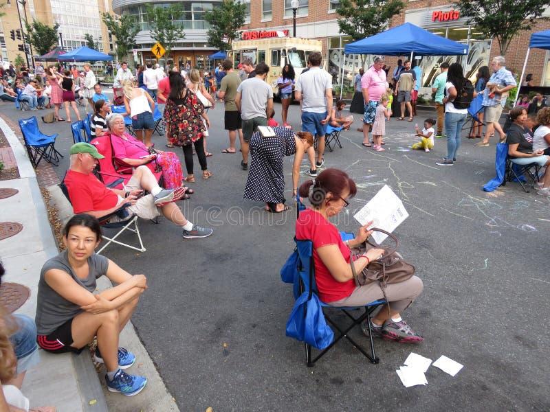 Le prenant facile au festival de rue image libre de droits