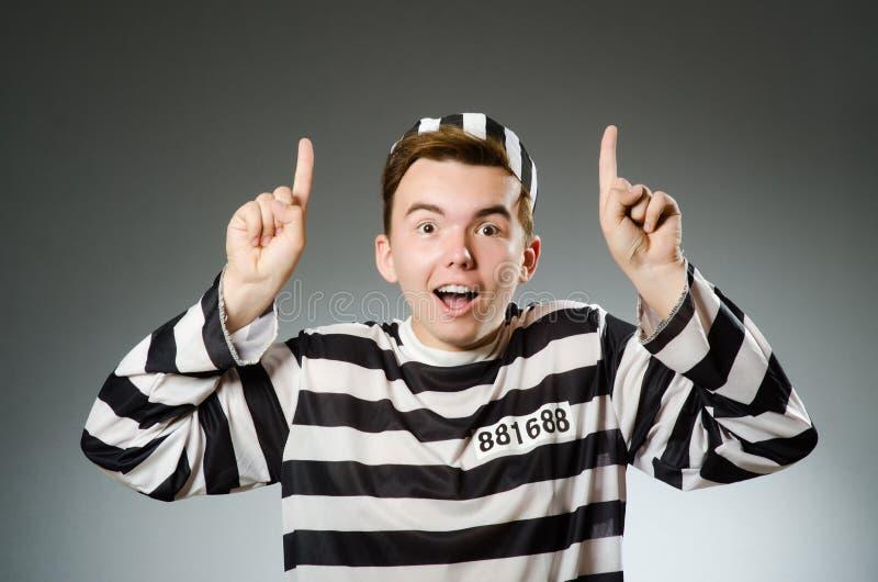 Le prisonnier drôle dans le concept de prison photos libres de droits