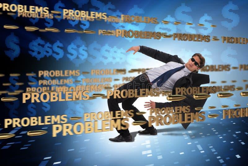 Le problème commercial et le concept de défi avec l'homme d'affaires image libre de droits