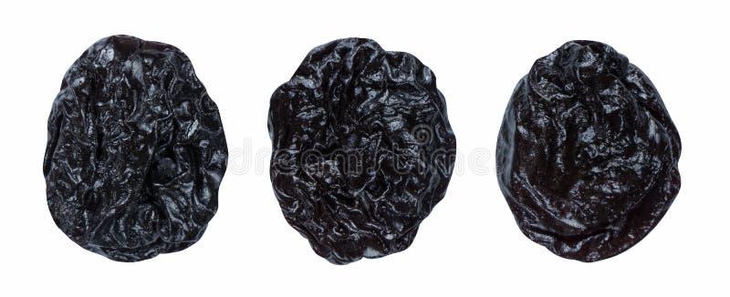 Le prugne secche delle prugne hanno messo isolato su fondo bianco come elemento di progettazione di pacchetto immagini stock libere da diritti