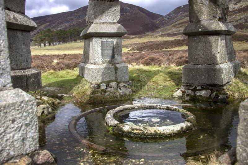 Le puits de la Reine Itinéraire d'Invermark pour monter désireux Aberdeenshire, Ecosse image libre de droits