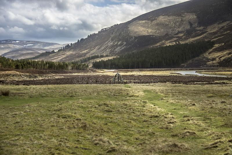 Le puits de la Reine Itinéraire d'Invermark pour monter désireux Aberdeenshire, Ecosse photos stock