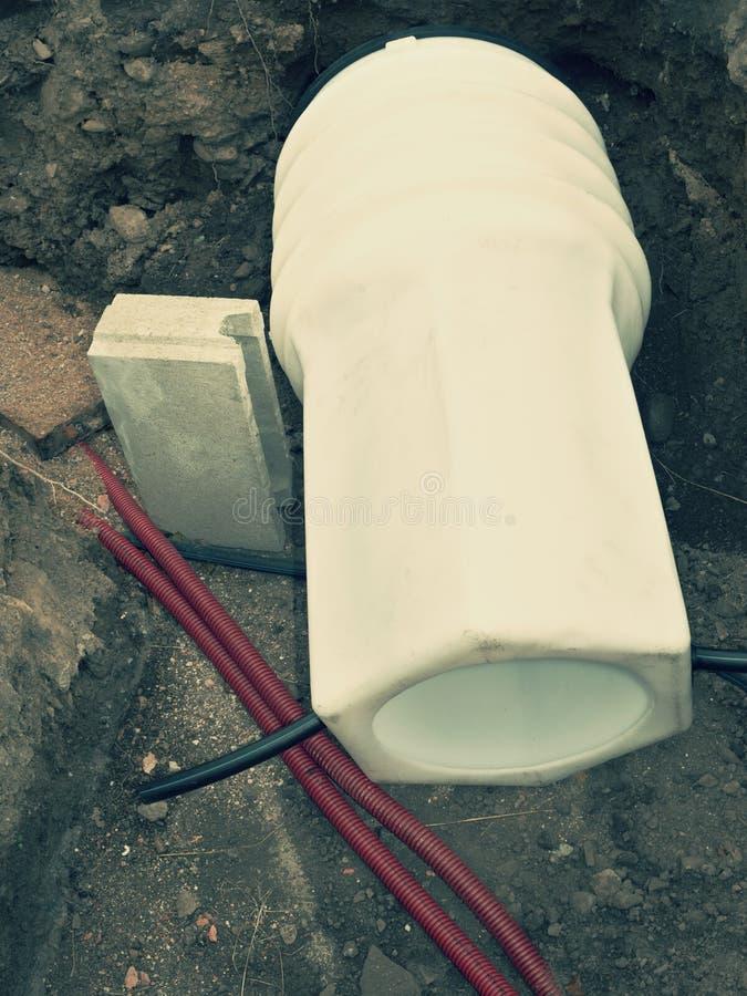 Le PVC disposé du réservoir d'eau réuni photos stock