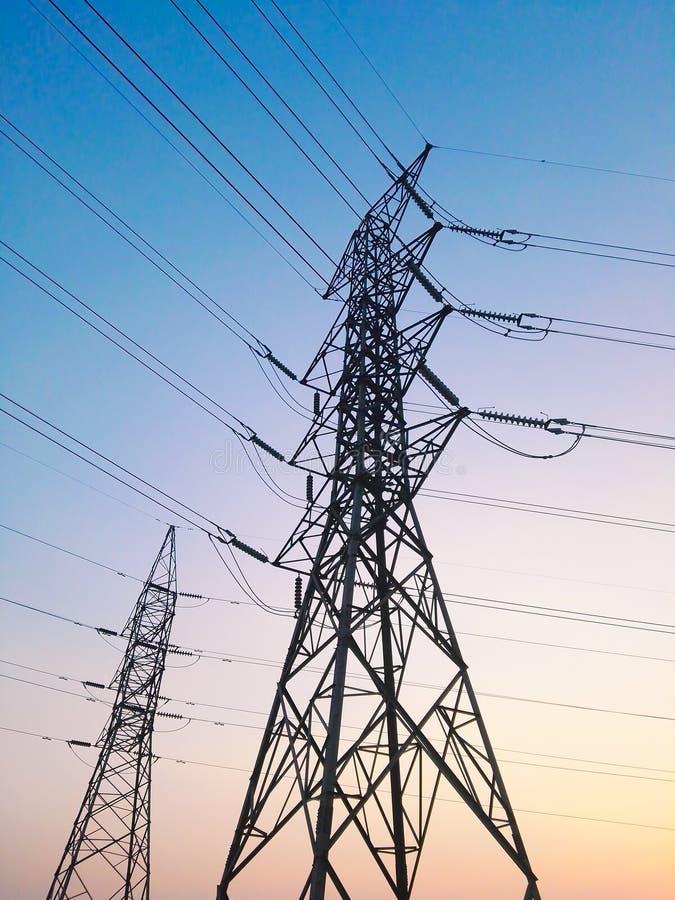 Le pylône de l'électricité images stock