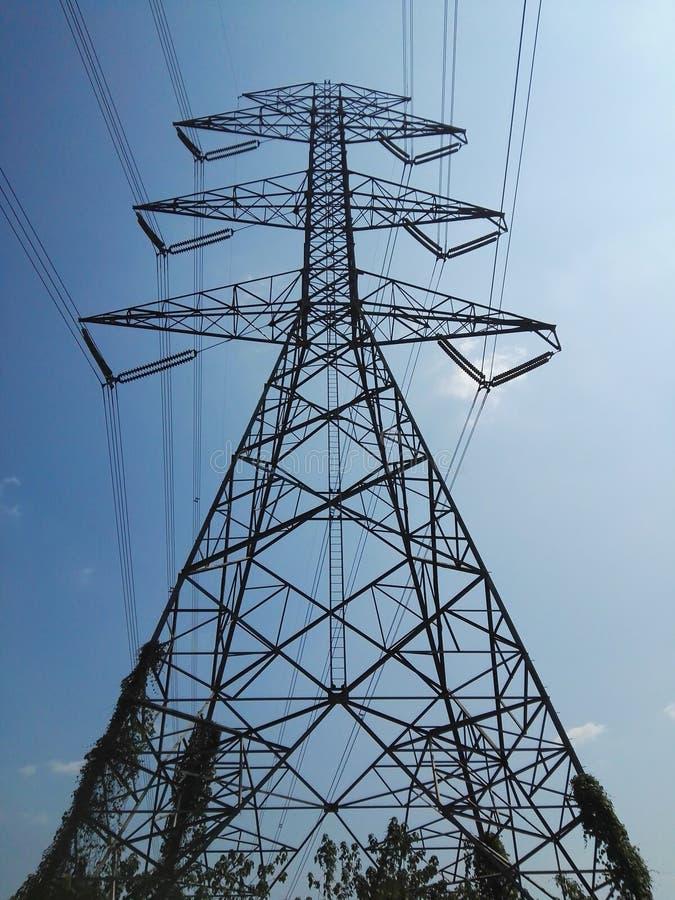Le pylône de l'électricité photo stock