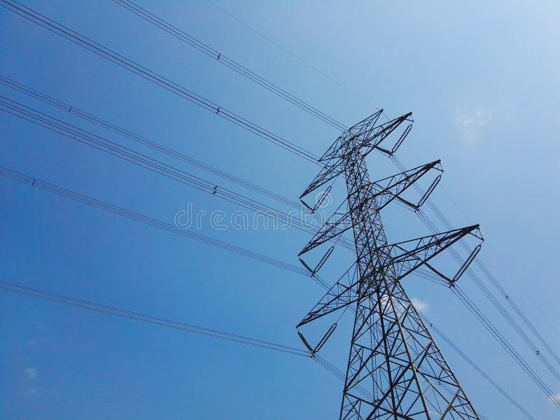 Le pylône de l'électricité images libres de droits