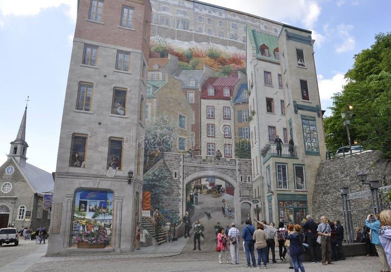Le Québec, le 28 juin : Fresque de Parc Cetiere de Rue Notre Dame de vieux Québec dans le Canada image libre de droits