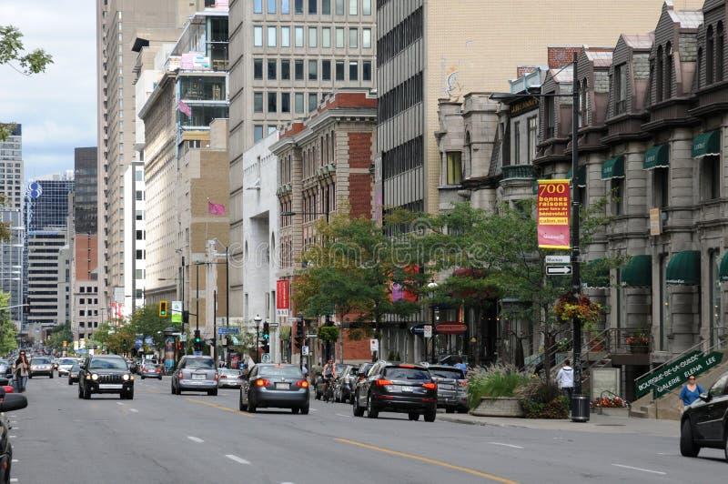 Le Québec, la rue ouest de Sherbrooke à Montréal photos libres de droits