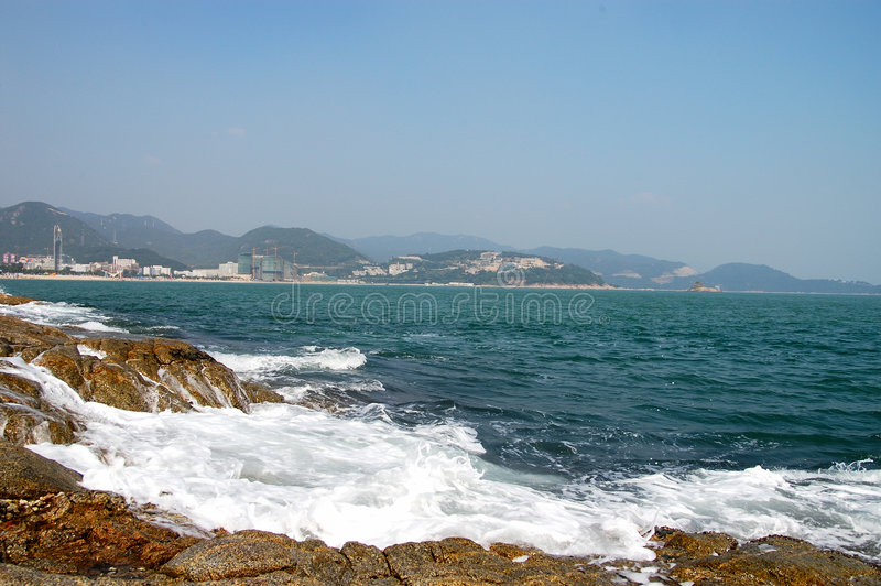 Le récif et la mer photographie stock libre de droits