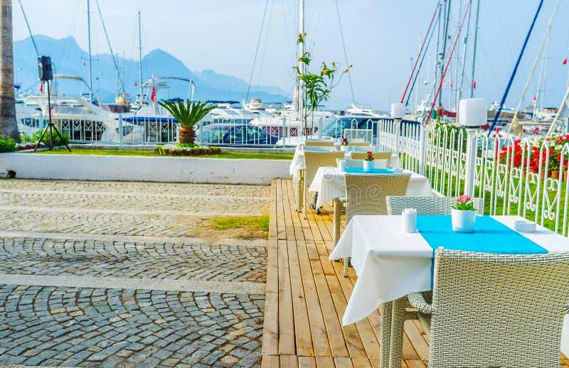 Le restaurant côtier de Kemer, Turquie photos stock