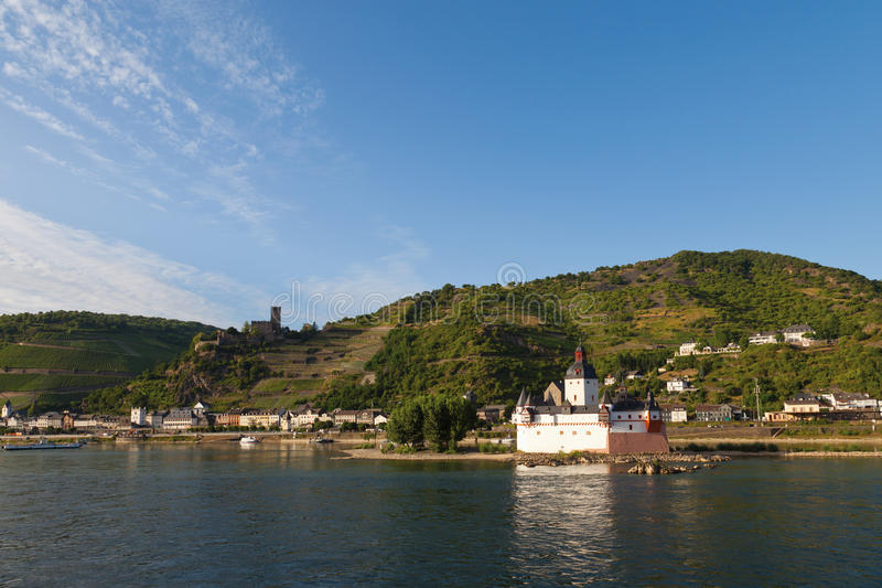 Le Rhénanie-Palatinat, vue de nea de château de pfalzgrafenstein photo stock
