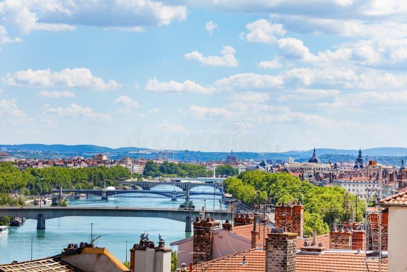 Le Rhône avec ses ponts à Lyon, France photo stock