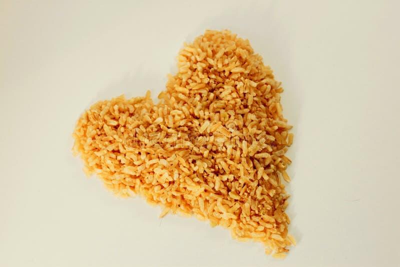 Riz brun sain de coeur image libre de droits