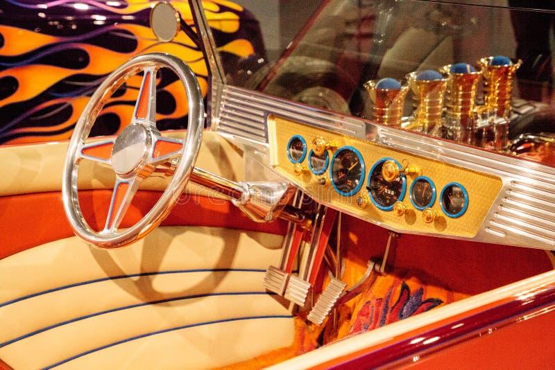 Le roadster 1925 de Ford Altered T d'orange a appelé Golden Star image stock