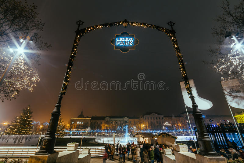 Le Roi Tomislav Square en Zagreb Croatia - esprit du marché de Noël image stock
