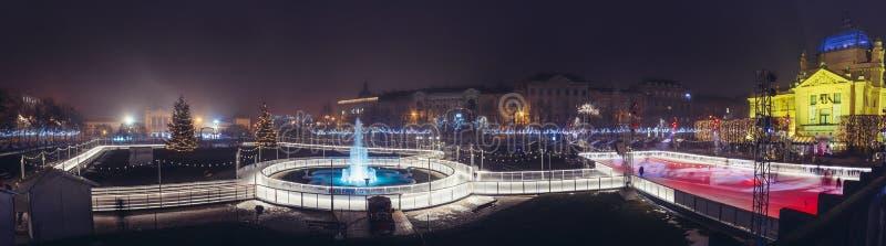 Le Roi Tomislav Square en Zagreb Croatia - pano du marché de Noël image libre de droits