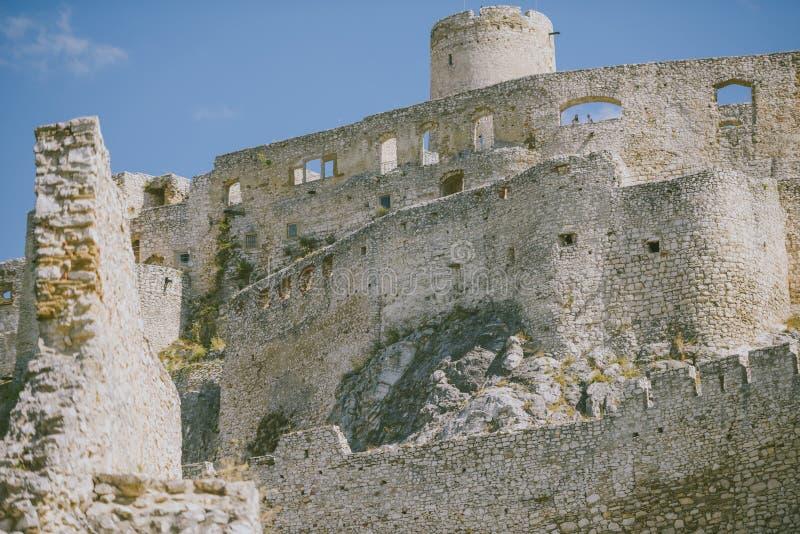 Le rovine del castello di Spis, Slovacchia fotografia stock libera da diritti