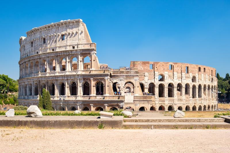 Le rovine del Colosseum a Roma fotografia stock