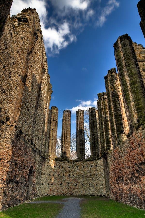 Le rovine della chiesa gotica fotografia stock libera da diritti