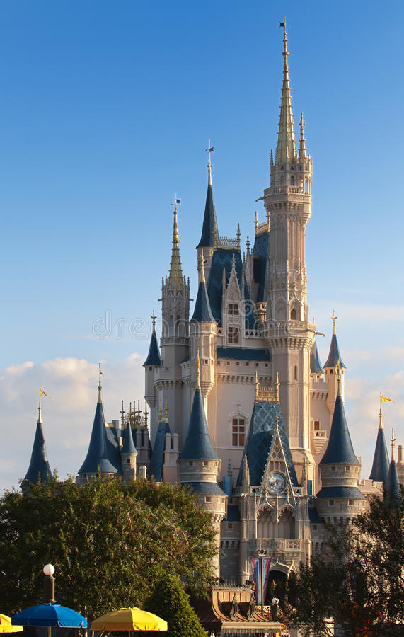 Le royaume magique de Disney images stock