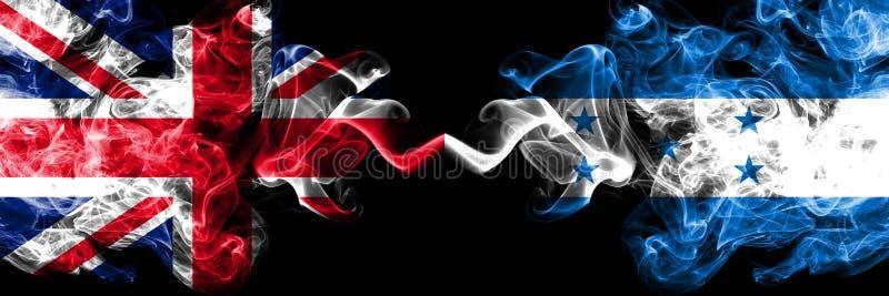 Le Royaume-Uni contre le Honduras, drapeaux mystiques fumeux honduriens placés côte à côte Drapeaux soyeux colorés épais de illustration de vecteur