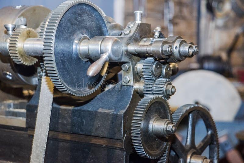 Le ruote di ingranaggi del motore, si chiudono sulla vista Foto astratta fotografie stock libere da diritti
