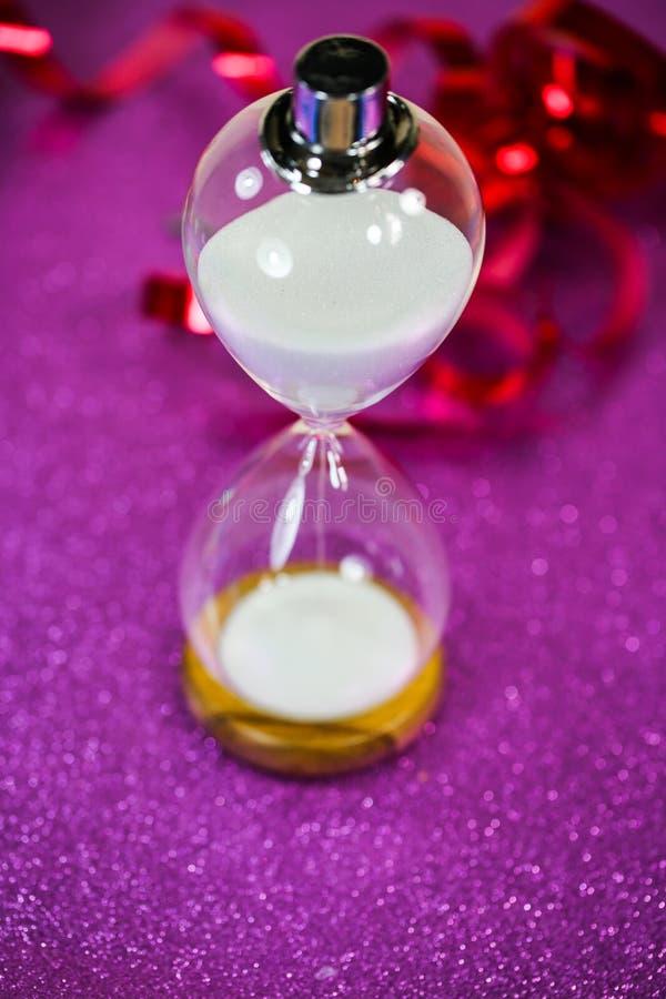 Le sablier, symbolique, temps s'épuise, réveillon de la Saint Sylvestre photo stock