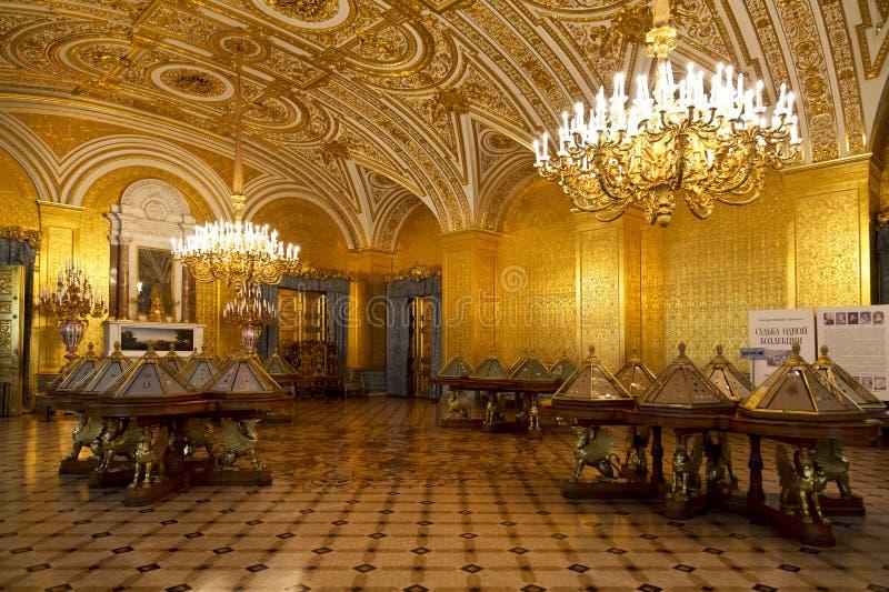 Le salon d'or de l'impératrice russe Alexandra Feodorovna dans l'ermitage d'état images stock