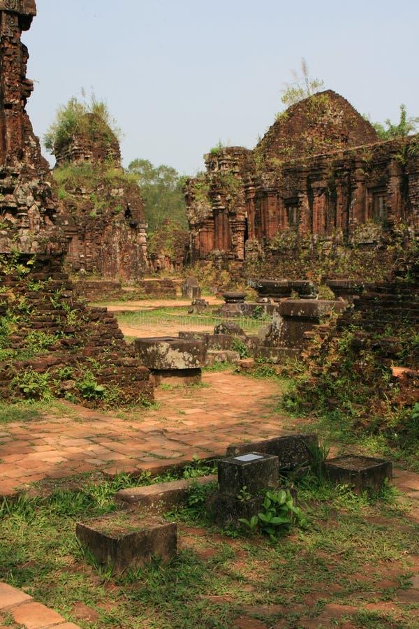 Le sanctuaire Homem poderoso de meu filho Vietname imagens de stock royalty free