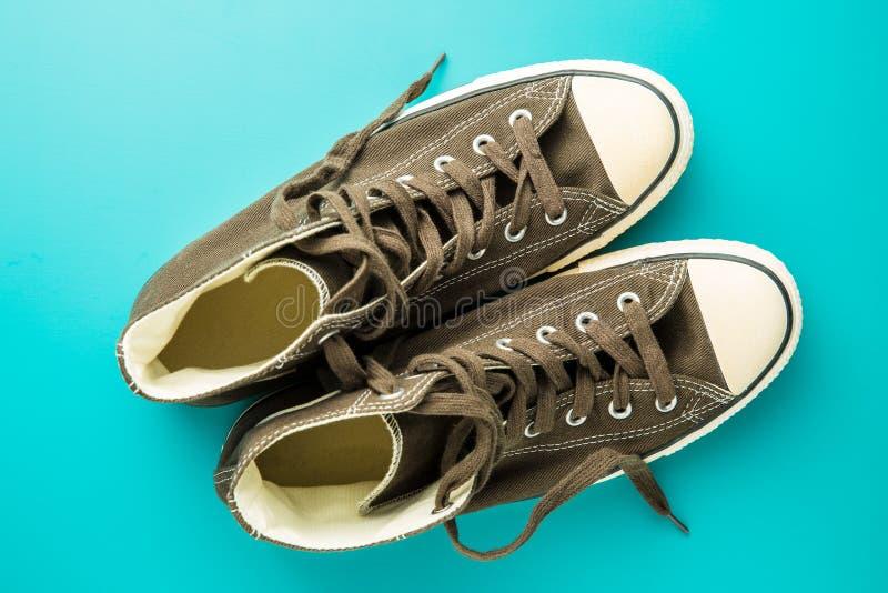 Le scarpe da tennis d'annata immagini stock libere da diritti