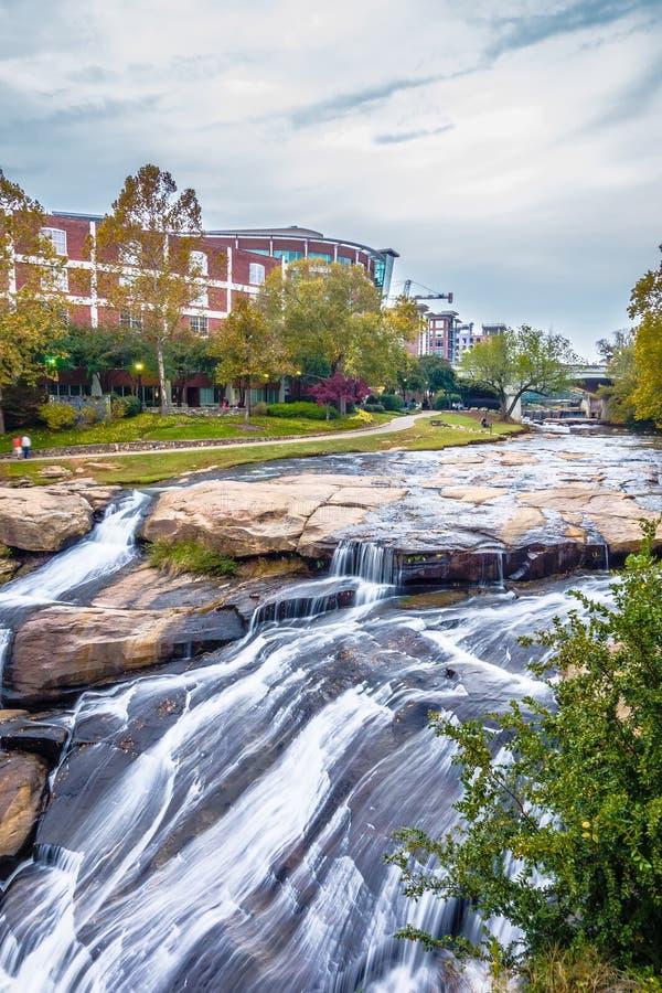 Le scene della via intorno alle cadute parcheggiano a Greenville Carolina del Sud fotografia stock libera da diritti